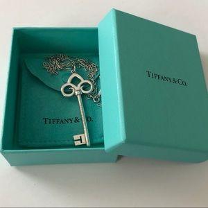 TIFFANY S/S Fleur de Lis XL Key Pendant